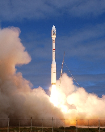 A Taurus rocket carrying the ROCSAT-2 satellite lifts-off from Vandenberg AFB