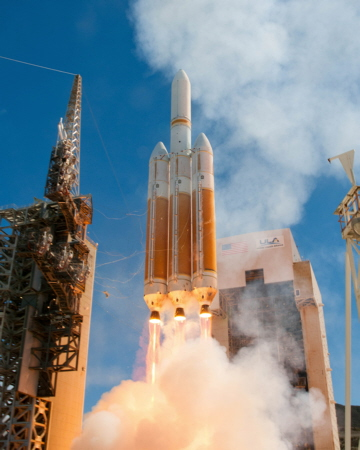 Delta IV-Heavy NROL-65 launch